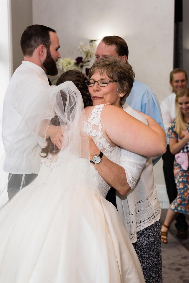 millennial-falls-wedding-816480