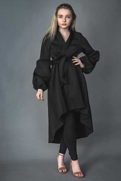 19 12 04_LizFashion-BlackTrenchcoat-2968