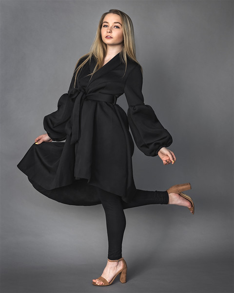 19 12 04_LizFashion-BlackTrenchcoat-3006