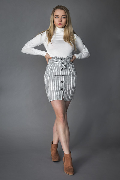19 12 04_LizFashion-StripedDress-3087