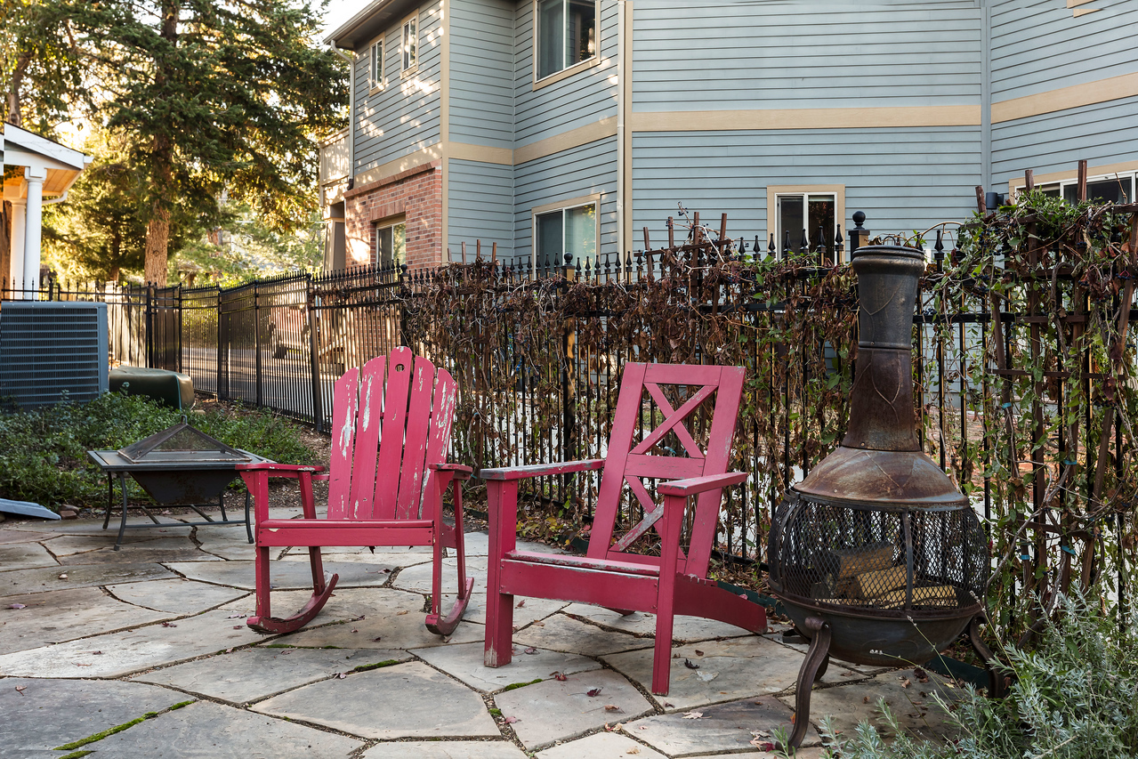 McCarthyHouse-ChairsFirepit-6950