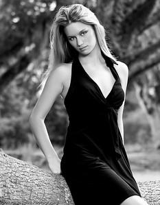 2009_08_KristaModelPortraits_232-Edit_MM-4