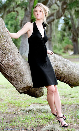 2009_08_KristaModelPortraits_211-Edit_MM