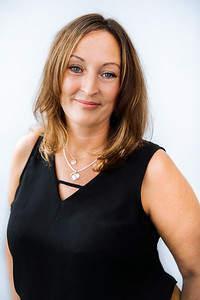 iNNOVATIONphotography-headshots-portrait-photographer-Swansea-Hayley-Wheeler-851518