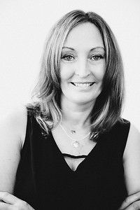 iNNOVATIONphotography-headshots-portrait-photographer-Swansea-Wendy-Williams-851530