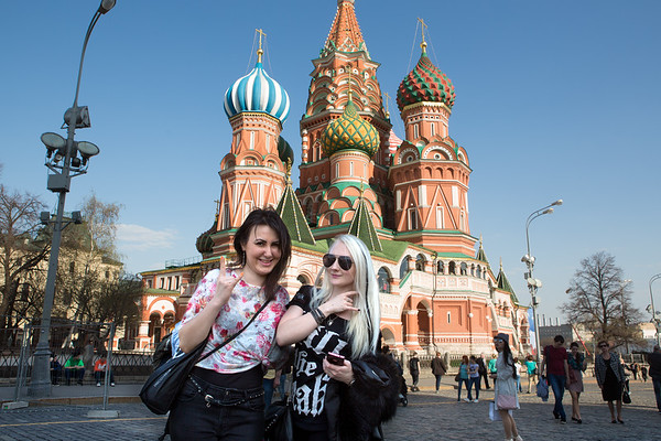 Maria and Natalie rockin' out at Red Square