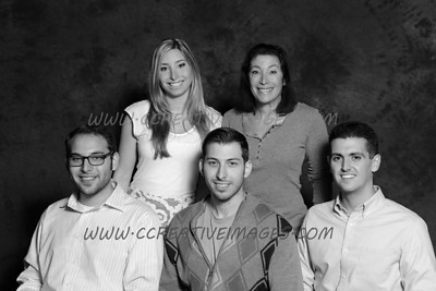 Mundelein Photographer. Meyer's Family Portraits. Sig. 9/15/13