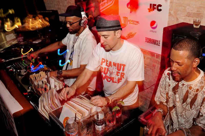 Stones Throw Records<br /> Stones Throw 45 Live :: Austin, TX<br /> <br /> SXSW Stones Throw showcase featuring Madlib, Peanut Butter Wolf, J.Rocc, DJ Rhettmatic, Dam-Funk, Amir & 14kt.