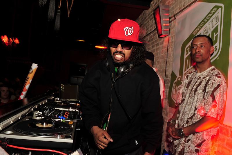 Dam-Funk & Madlib<br /> Stones Throw 45 Live :: Austin, TX<br /> <br /> SXSW Stones Throw showcase featuring Madlib, Peanut Butter Wolf, J.Rocc, DJ Rhettmatic, Dam-Funk, Amir & 14kt.