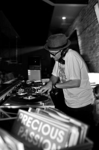 Peanut Butter Wolf<br /> Stones Throw 45 Live :: Austin, TX<br /> <br /> SXSW Stones Throw showcase featuring Madlib, Peanut Butter Wolf, J.Rocc, DJ Rhettmatic, Dam-Funk, Amir & 14kt.