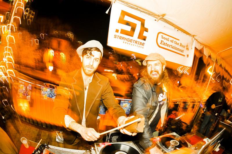DJ Pleasuremaker & Senor Oz<br /> San Francisco, CA<br /> <br /> SXSW showcase by Wax Poetics, Dubspot, Soul of the Boot Entertainment, StrangeTribe Productions & Maker's Mark.