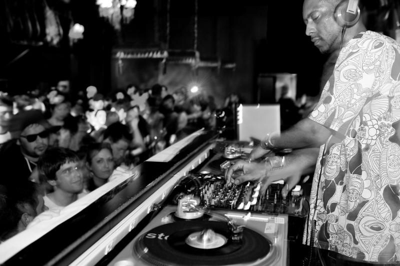Madlib<br /> Stones Throw 45 Live :: Austin, TX<br /> <br /> SXSW Stones Throw showcase featuring Madlib, Peanut Butter Wolf, J.Rocc, DJ Rhettmatic, Dam-Funk, Amir & 14kt.