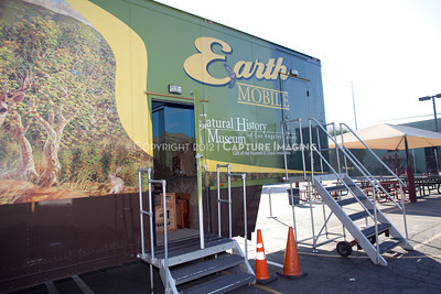 1202026-041        LOS ANGELES, CA - FEBRUARY 24: The NHM Earthmobile at Milagro Charter Elementary School on February 24, 2012 in Los Angeles, California. (Photo by Ryan Miller/Capture Imaging)