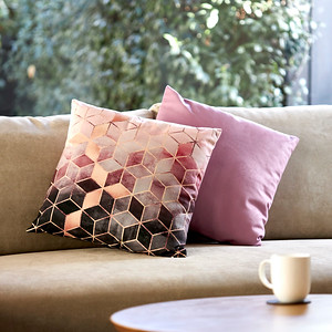 Pillows_K2A5522