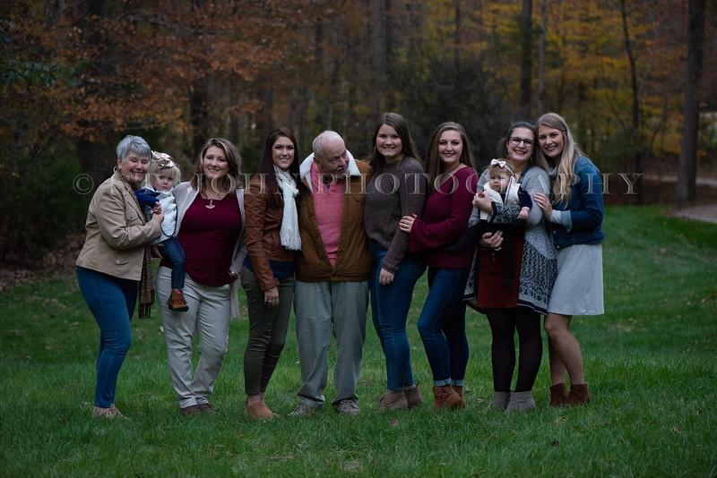 2019 November Ellis Family-90-2-28.jpg