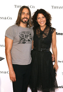 LOS ANGELES, CA - OCTOBER 2: Robert Russell (L) and Lisa Edelstein (R) arrive during the Pacific Standard Time: Art in LA 1945-1980 opening event held at the Getty Center on October 2, 2011 in Los Angeles, California. (Photo by Ryan Miller/Capture Imaging)