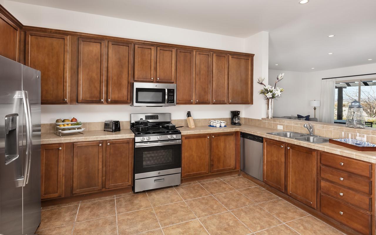 LaPaz-Paraiso_Residence-4BR_Villa-Kitchen-4505