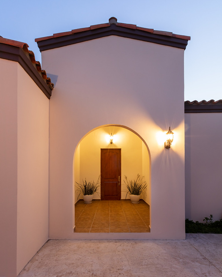 LaPaz-Paraiso_Residence-4BR_Villa-Front_Door-4079