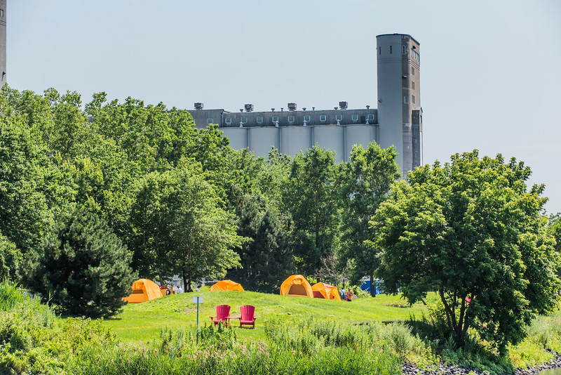 Initiation au camping <br /> Learn to  camp <br /> Parc Canada