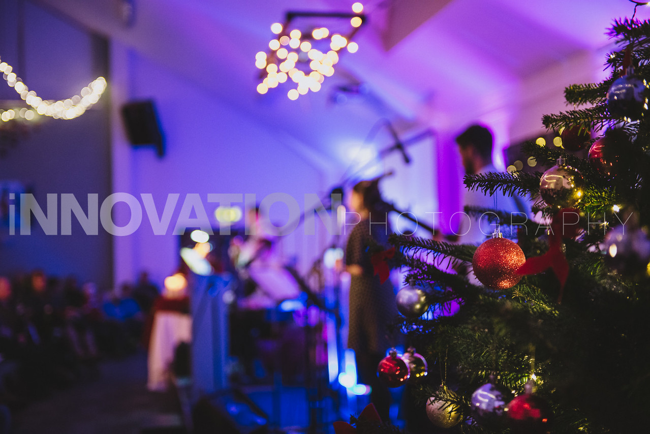 29-iNNOVATIONphotography-Parklands-Carol-Service_INN3595