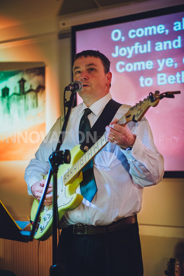 17-iNNOVATIONphotography-Parklands-Carol-Service_INN3549
