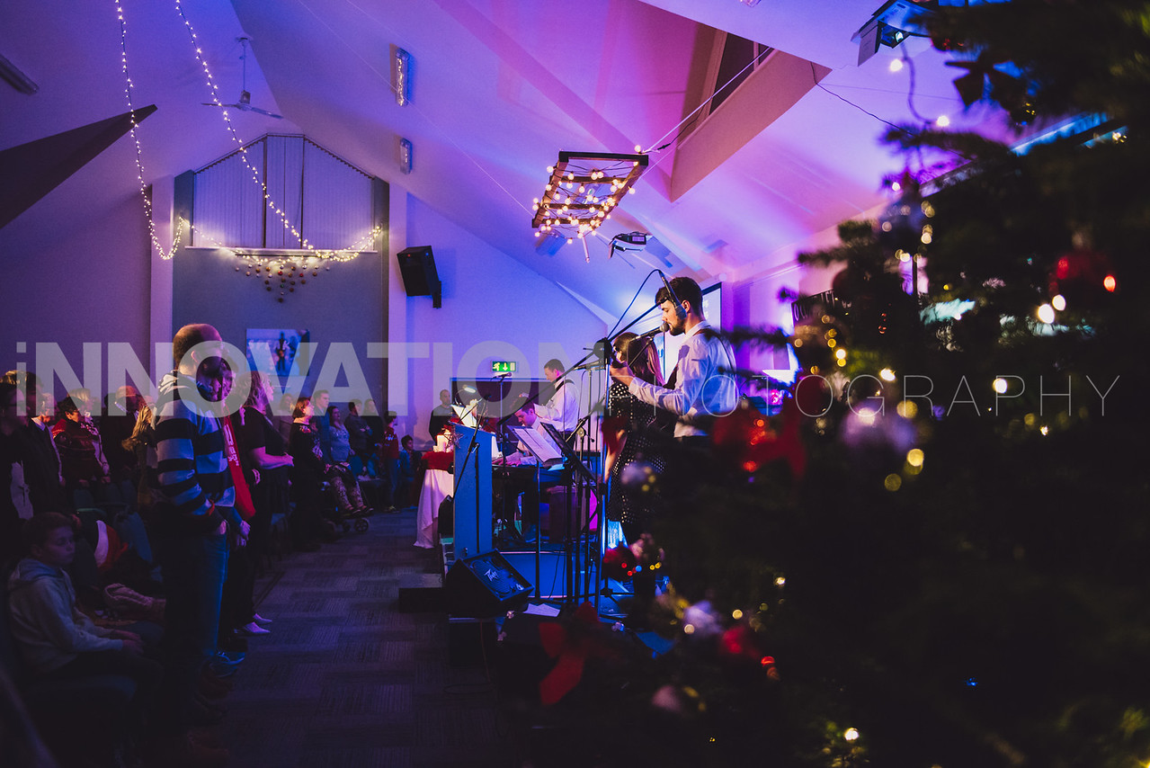 40-iNNOVATIONphotography-Parklands-Carol-Service_INN3672