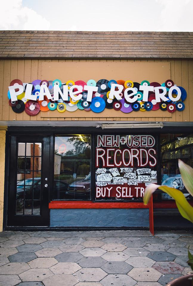 2013-0914-planet-retro-216