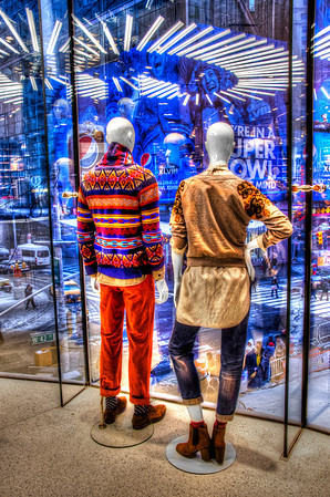Manequins at H&M Times Square.  ©Brian Glantz