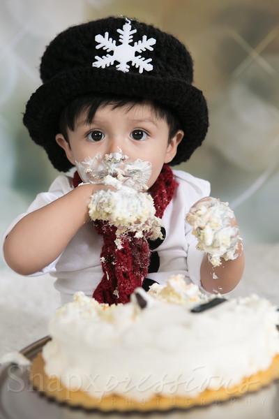 Cake Smash by Logan
