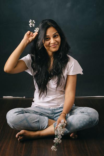 Radhika Pandit - ravi