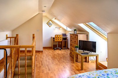 12-iNNOVATIONphotography-property-photographer-Swansea-Home-Whisperers_INN4200-HDR