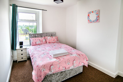 22-iNNOVATIONphotography-property-photographer-Swansea-Unicorn_D856612