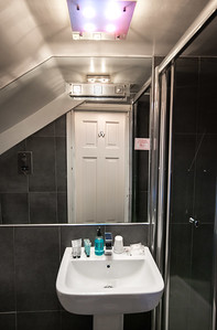 iNNOVATIONphotography-Home-Whisperers-WHHotel-room-7-1402