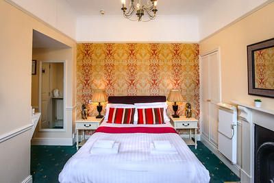 11-iNNOVATIONphotography-property-photographer-Swansea-Home-Whisperers-White-House-Hotel-
