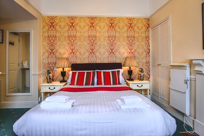 9-iNNOVATIONphotography-property-photographer-Swansea-Home-Whisperers-White-House-Hotel-4663