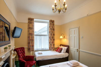 15-iNNOVATIONphotography-property-photographer-Swansea-Home-Whisperers-White-House-Hotel-