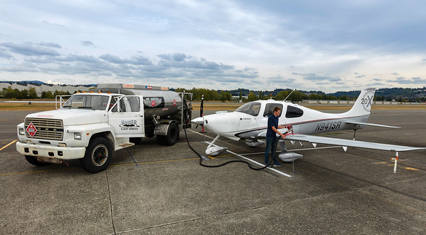 RainierFlight-FuelServices-WideFuelTruck-1445