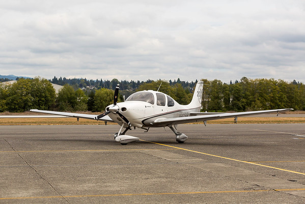 RainierFlight-AirplaneCirrus-8035