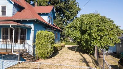 4650 N Kirby Ave-35