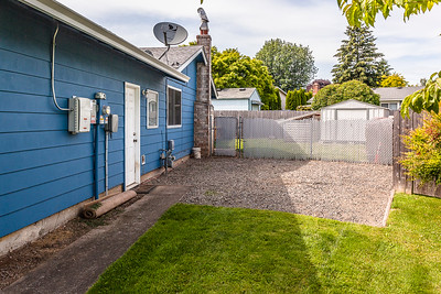 733 SW Orchard Place-31