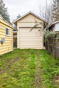 11824 E Burnside-19