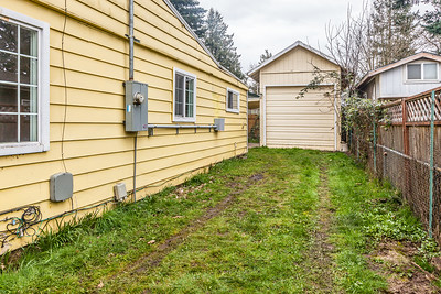 11824 E Burnside-18