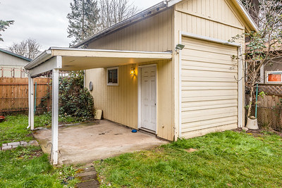 11824 E Burnside-20