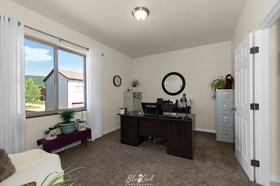 701 Valley View-25