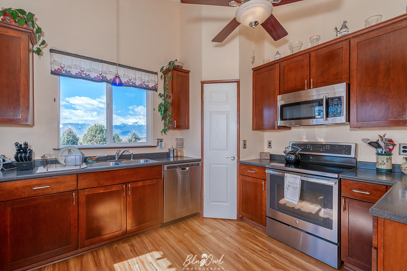 3075 Woodview Ct-13.jpg