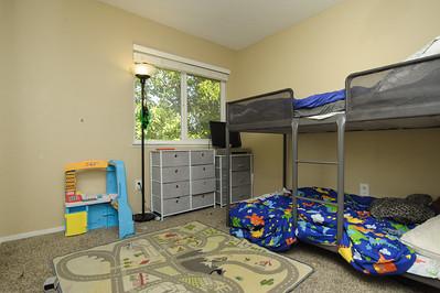 bedroom r (1 of 2)