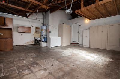 garage (1 of 2)