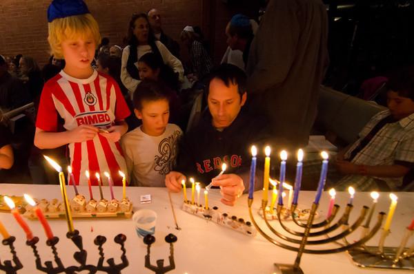 Rodef Sholom Hanukkah 2011-0039