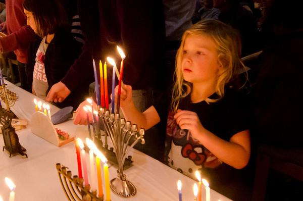 Rodef Sholom Hanukkah 2011-0040