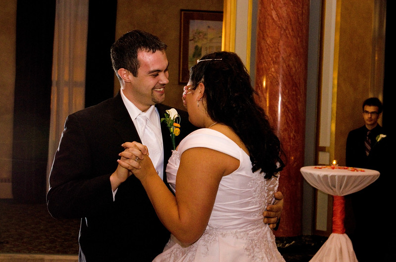 Rotunda_Waukesha_Wedding_CaitlinChad850